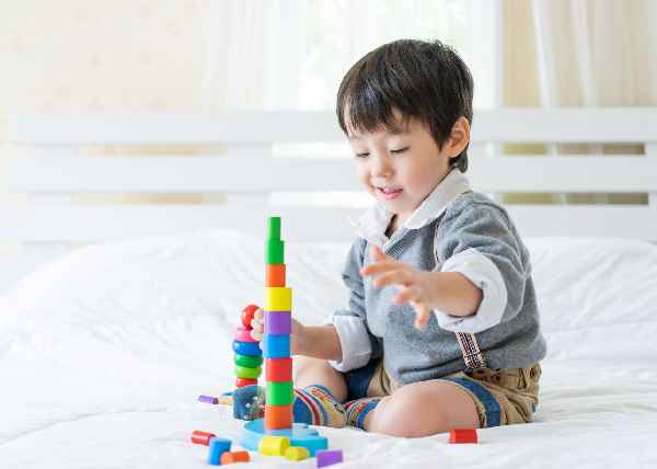 Importance Of Play And Tips To Choose The Right Toy For Babies